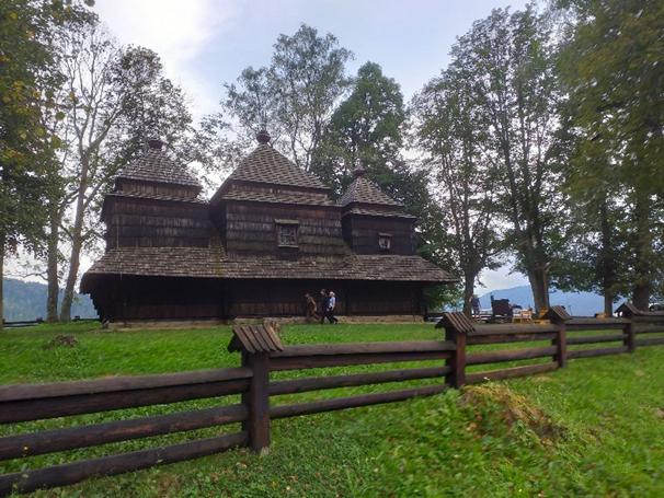 Ocalałe cerkwie w Smolniku i Chmielu