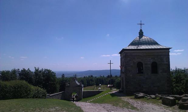 Opactwo Święty Krzyż i czarownice na Łysej Górze