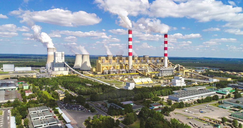 Najbogatsza polska gmina – Kleszczów z kopalnią i elektrownią Bełchatów w tle